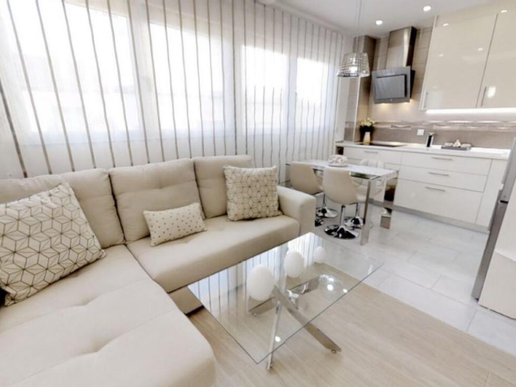 2 Bedroom 2 Bathroom Apartment in Torrevieja